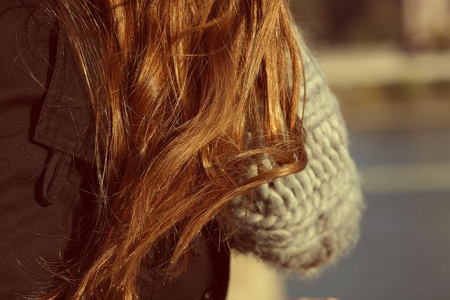 9 nguyên nhân hàng đầu gây ra rụng tóc bạn nên biết