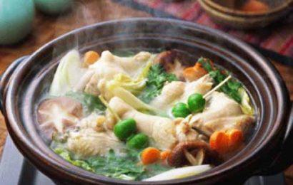 Cách nấu lẩu gà thơm ngon cho bữa cơm quây quần