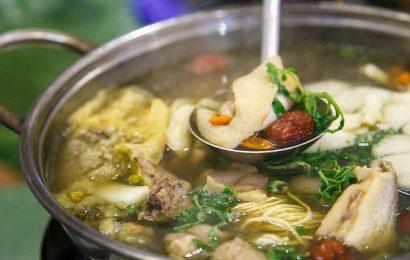 Cách nấu lẩu gà thuốc bắc vừa ngon vừa bổ dưỡng cho tiết cuối đông