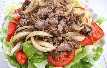Cùng vào bếp với món thịt bò xào cần tây – Đơn giản lại ngon