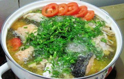 """Cách nấu canh cá chua giải """"ngấy"""" ngày Tết."""