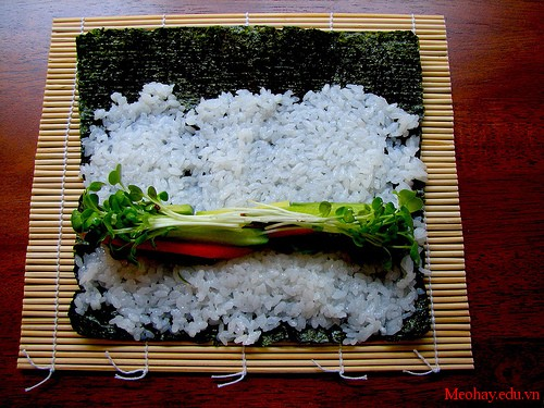 cach lam sushi Nhat Ban thom ngon 4