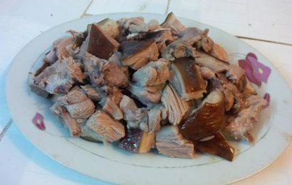 Cách làm thịt chó chặt (chó luộc cả con) ngon ngọt, hấp dẫn