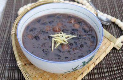 Giải nhiệt mùa hè với cách nấu chè đỗ đen hạt sen thanh ngọt mê li