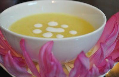 Cách nấu chè sen đậu xanh nước cốt dừa thơm phức
