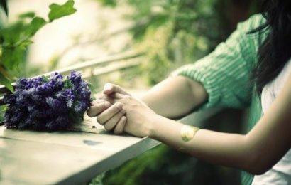 Những câu stt buồn, stt tâm trạng mà bạn không nên bỏ lỡ
