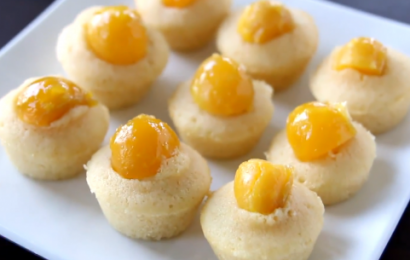 Lạ miệng với cách làm bánh bông lan trứng muối đậm đà