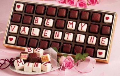 Chọn quà valentine cho bạn gái – Khó mà dễ