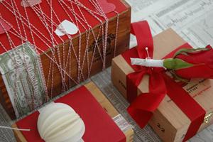 Tận dụng hộp gỗ cũ để làm quà tặng valentine trắng ấn tượng