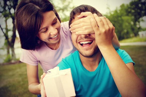 Cách chọn quà valentine cho bạn trai thật tinh tế