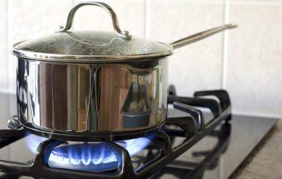 Mẹo vặt tiết kiệm 50% lượng gas khi đun nấu! Bạn có tin không?