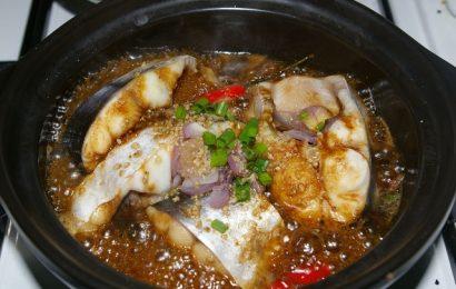 Cách kho cá lóc kho tộ ngon cho bữa cơm gia đình đầm ấm