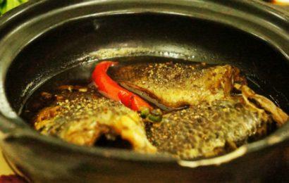 Mách bạn cách kho cá rô đồng với nghệ thơm nức mũi