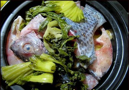 Cách kho cá rô phi với dưa hấp dẫn 2
