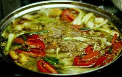 Cách nấu lẩu riêu cua sườn sụn ngon khó cưỡng