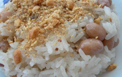 Cách nấu xôi đậu phộng bằng nồi cơm điện dẻo ngon tiết kiệm thời gian