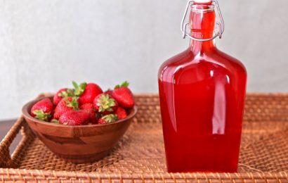 Cách ngâm rượu dâu tây cực đơn giản, dễ uống ngay tại nhà