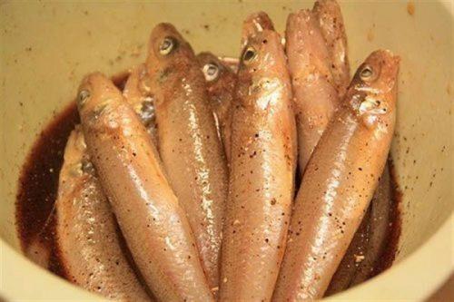 Cách kho cá bống trứng ngon đổi vị 2