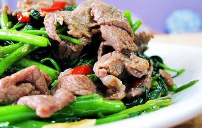 Đổi món với cách làm rau muống xào thịt bò ngon như nhà hàng