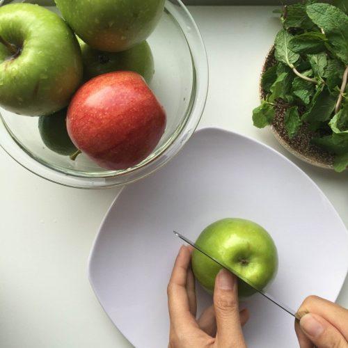 Cách làm sinh tố táo xanh lạ chưa từng thấy 3