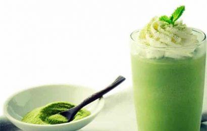 Muốn da đẹp, dáng chuẩn hãy học cách làm sinh tố trà xanh