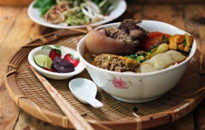 Cách nấu bún riêu cua giò heo ấm lòng ấm dạ cho bữa sáng