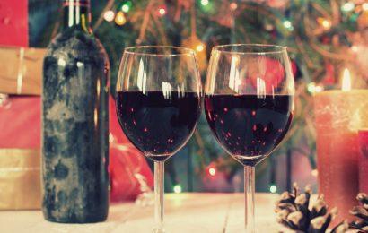 Cách ngâm rượu dâu tằm ngon thơm, bổ dưỡng mà cực đơn giản