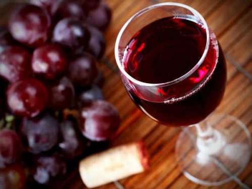 Hướng dẫn cách ngâm rượu nho tươi 1