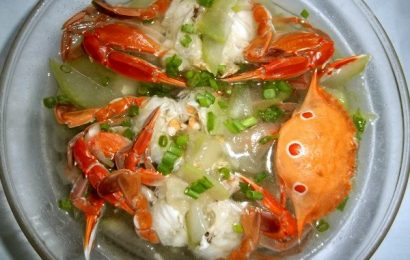 Giải nhiệt cuối tuần với món canh cua biển nấu bầu thơm mát, bổ dưỡng