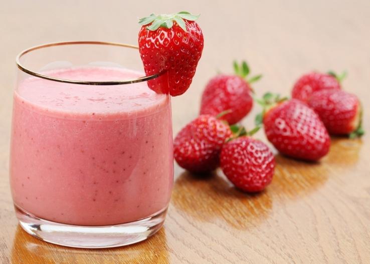 Cách làm sinh tố dâu sữa chua