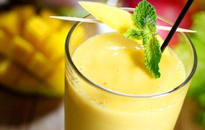 Cách làm sinh tố xoài sữa tại nhà, dễ làm mà lại ngon bổ rẻ!