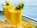 Cách làm sinh tố xoài và sữa chua