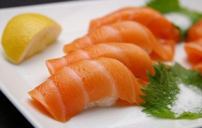 Cách làm sushi cá sống chỉ cần ăn là mê ngay