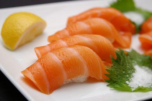 Cách làm sushi cá sống chỉ cần ăn là mê ngay 1