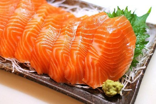 Cách làm sushi cá sống chỉ cần ăn là mê ngay 2