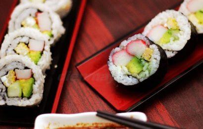 Các mẹ đã biết cách làm sushi cho bé ăn ngon chóng lớn chưa?