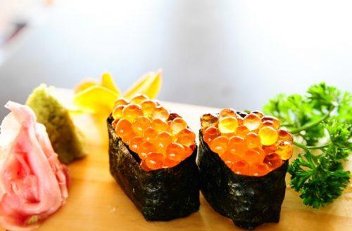 Cách làm sushi trứng cá hồi đúng điệu 3