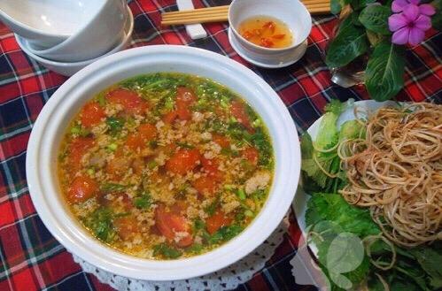 Cách nấu canh chua cua đồng ngon cho cả nhà cùng thưởng thức