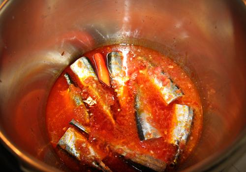 Cách kho cá thu Nhật với cà chua đơn giản mà ngon không cưỡng nổi