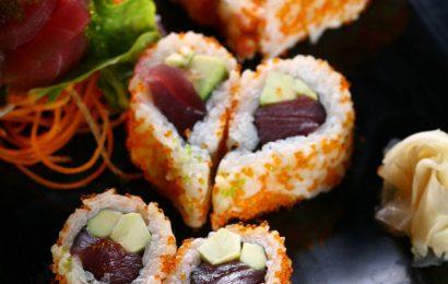 Cách làm Sushi hình trái tim ý nghĩa chẳng nỡ ăn