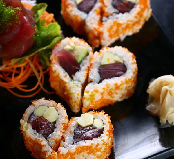 Cách làm Sushi hình trái tim ý nghĩa chẳng nỡ ăn 1