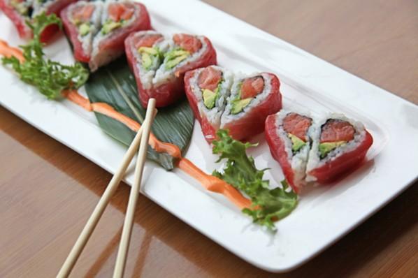 Cách làm Sushi hình trái tim ý nghĩa chẳng nỡ ăn 3