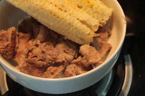 Cách nấu cháo sườn ngô ngon ngọt 4