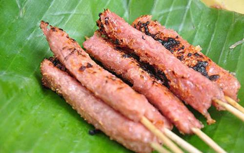 Khám phá 6 địa chỉ ăn nem chua nướng ngon ở Hà Nội 3