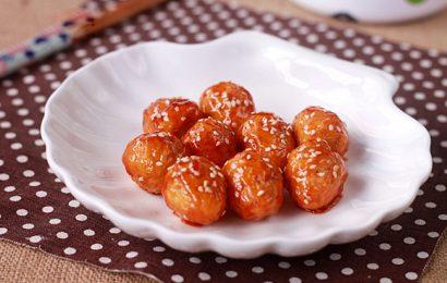Trứng cút chiên sốt chua ngọt đậm đà, đưa cơm