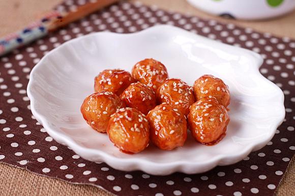 Trứng cút chiên sốt chua ngọt đậm đà, đưa cơm 1