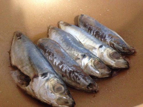 Hướng dẫn làm món cá nục kho thịt ba chỉ 3