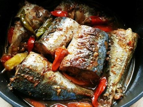 Bật mí cách kho cá nục biển ngon với tỏi ớt nhìn cực đã, ăn cực mê 5