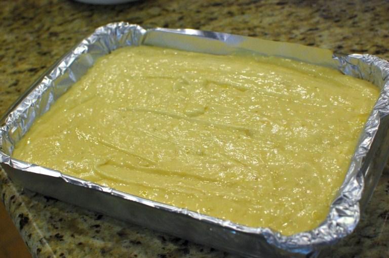 Cách làm món bánh bông lan chuối thơm ngậy mùi bơ sữa rất ngon 8