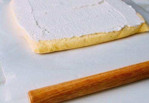 Cách làm bánh bông lan cuộn da beo